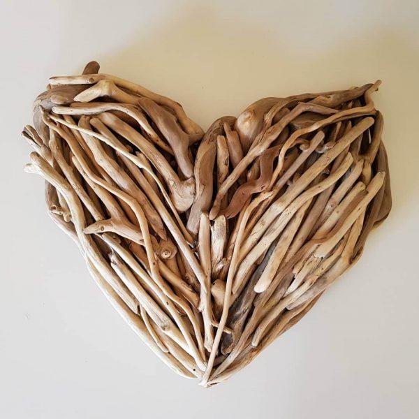 Driftwood Heart 30cm top